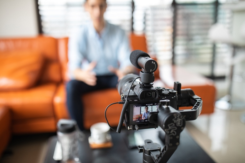 The Square 2 Playbook For Using Video To Generate Leads
